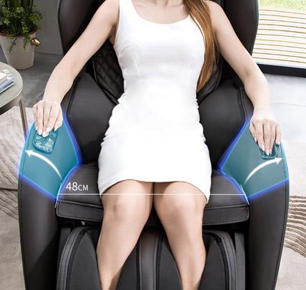 Szerokie siedzisko w fotelu z masażem PW430